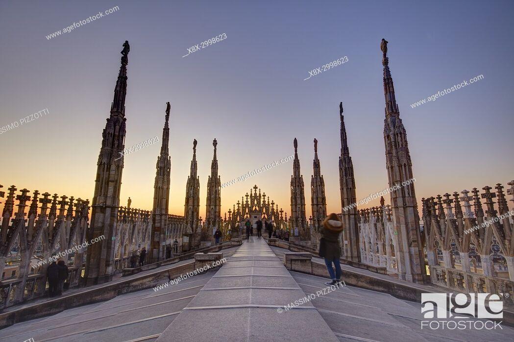 Photo de stock: The terrace if the Duomo, Milan, Italy.