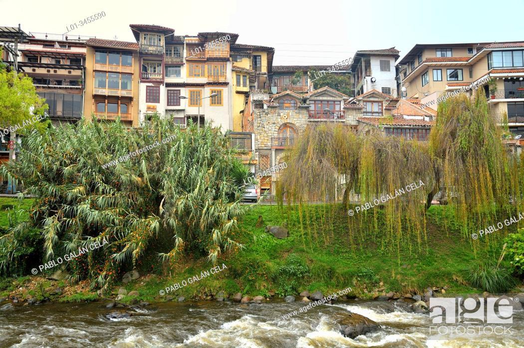 Imagen: Cuenca and river Tomebamba, Ecuador.