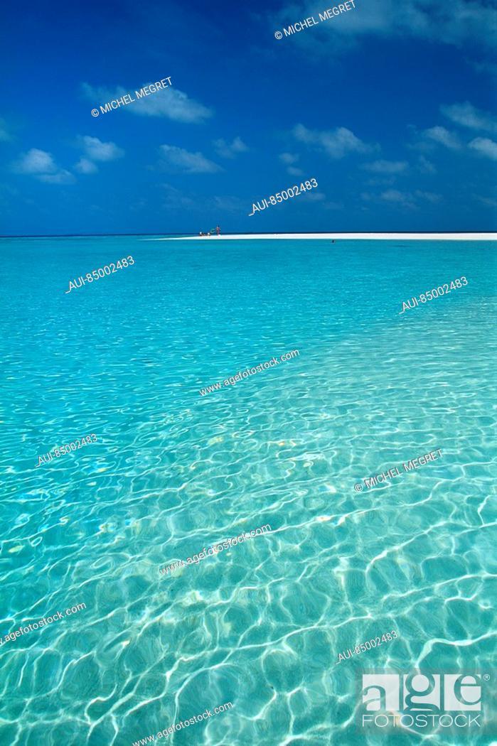Stock Photo: Maldives - Dunikolu Island.