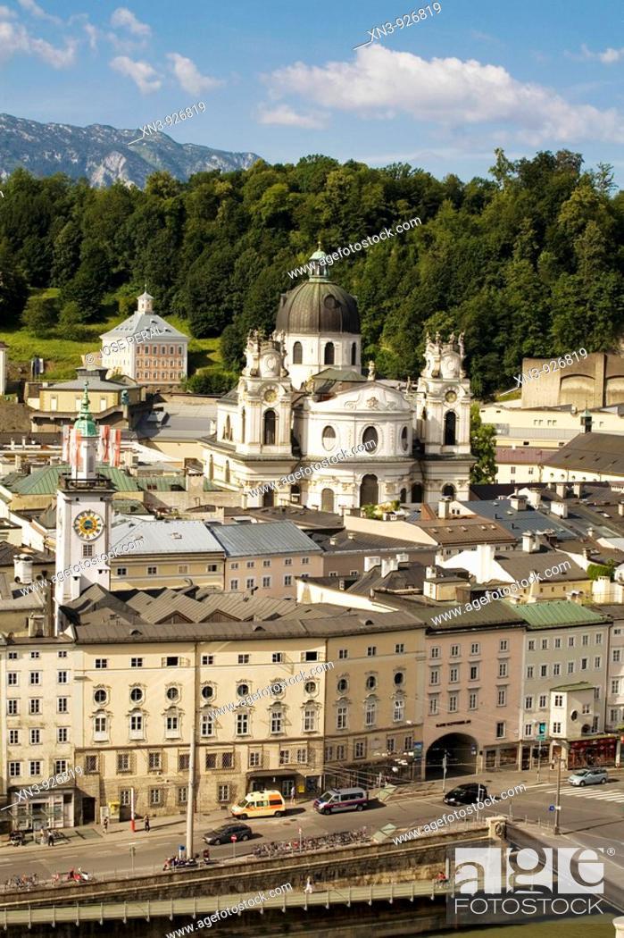 Stock Photo: Old town as seen from the Hettwer Bastei, Salzburg, Austria.