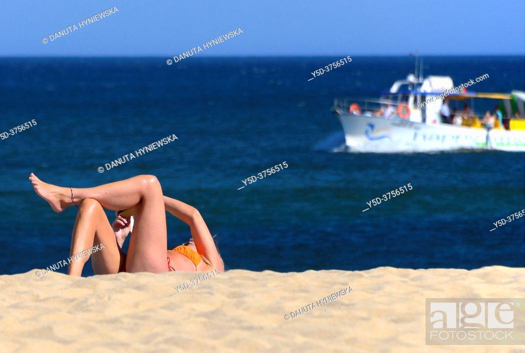 Stock Photo: leisure on the beach, Batata beach, Atlantic Ocean, Lagos, city center, Algarve, Portugal, Europe.