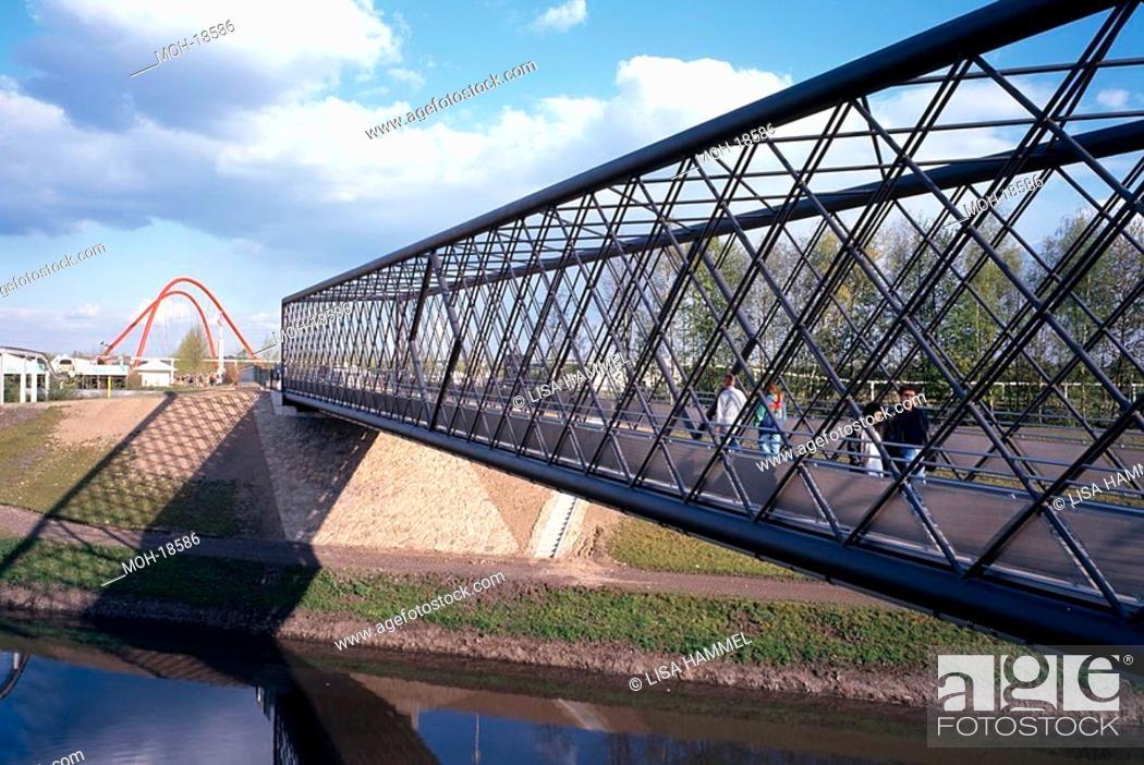 Stock Photo: BUGA 97, östliche Fachwerkbrücke mit Doppelbogenbrücke.
