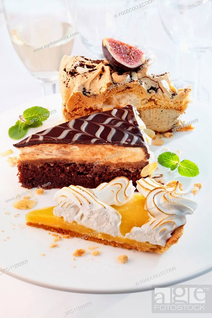 Imagen: Various slices of cake.