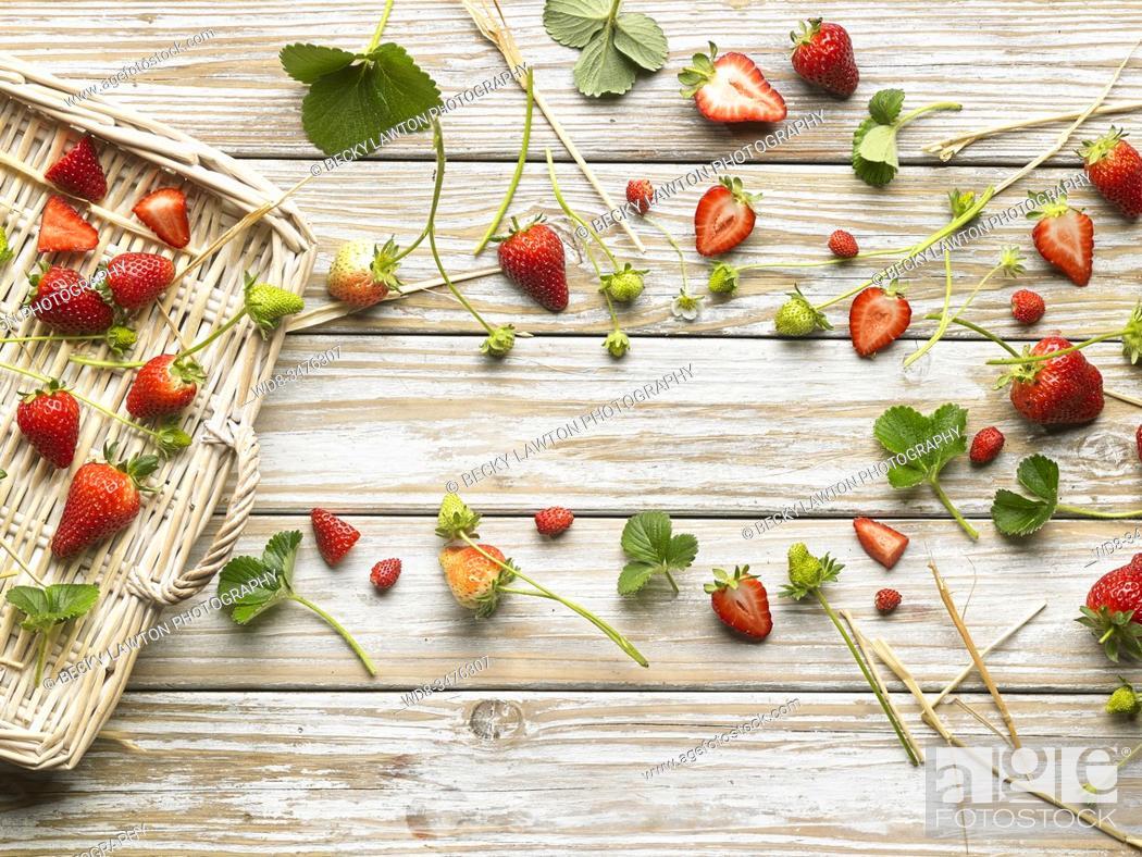 Stock Photo: Bodegón de fresas.