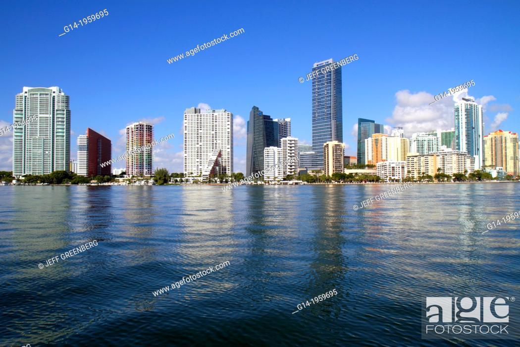 Imagen: Florida, Miami, Biscayne Bay, city skyline, Brickell Avenue, water, skyscrapers, high rise, condominium, office, buildings, Four Seasons Hotel, .