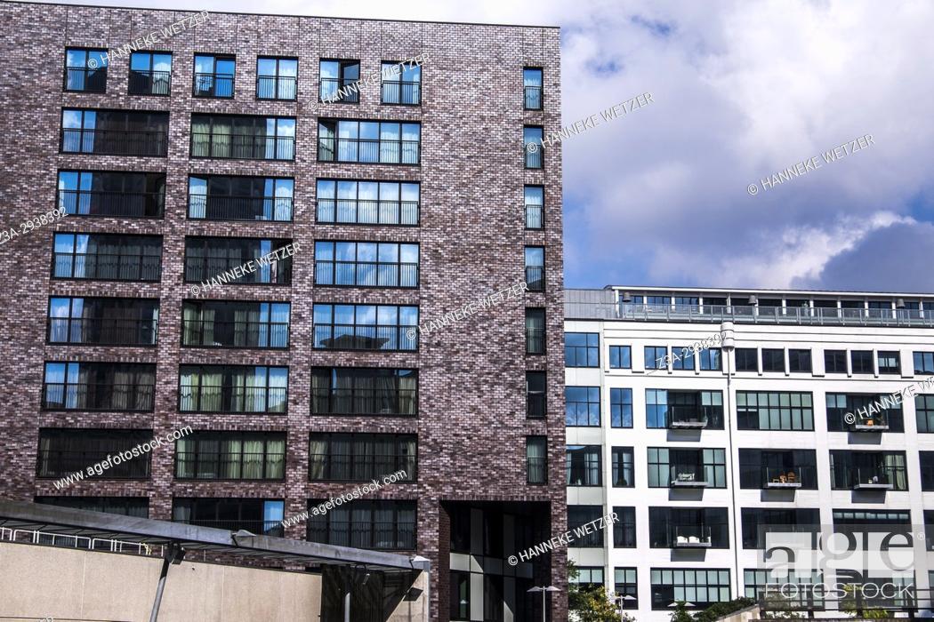Imagen: Modern architecture in Eindhoven, The Netherlands, Europe.