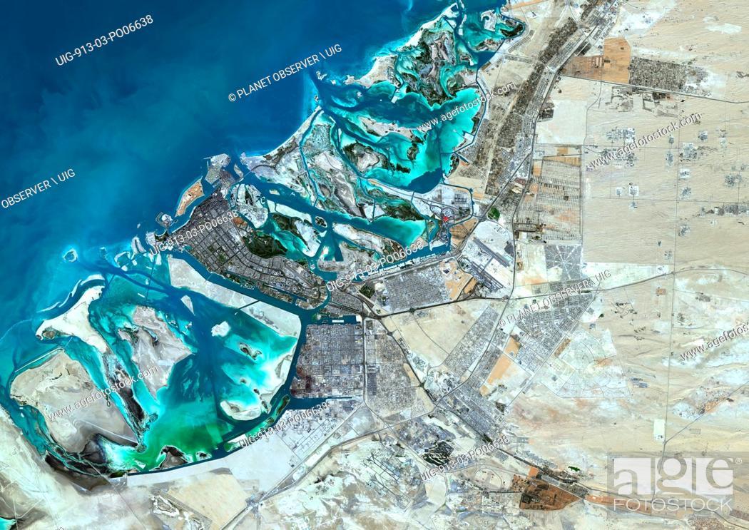 Imagen: Colour satellite image of Abu Dhabi, United Arab Emirates. Image taken on December 16, 2013 with Landsat 8 data.