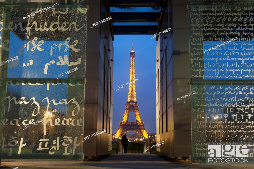 Stock Photo: Wall of peace and tour Eiffel, Paris, Ile de France, France.