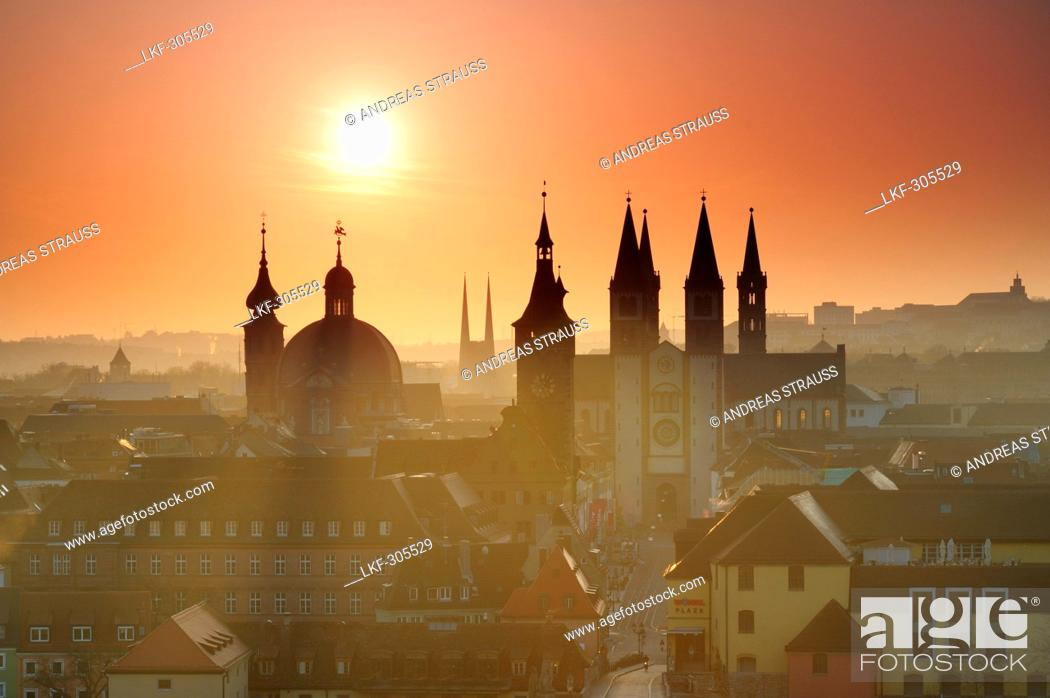 Photo de stock: Old city of Wuerzburg at sunrise, Wuerzburg, Bavaria, Germany.