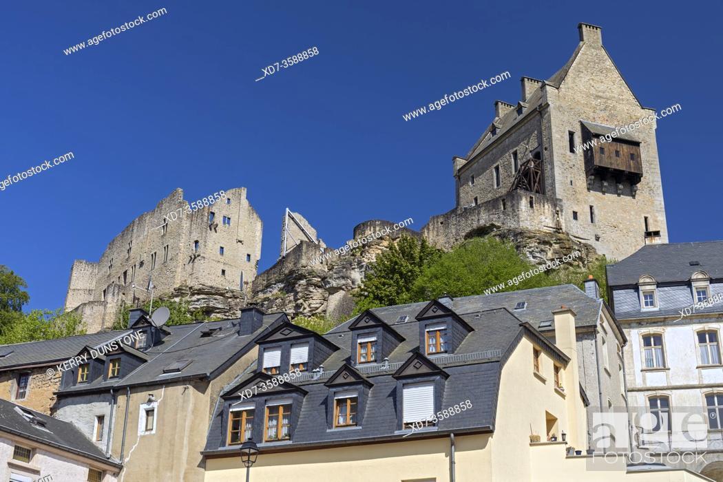 Imagen: Europe, Luxembourg, Larochette, Chateau Fort Larochette (Larochette Castle) situated above the Village Centre.