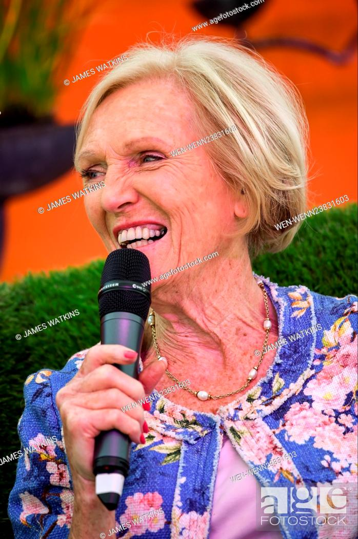 Mary Berry Makes A Special Appearance Onstage At The Rhs Malvern Spring Festival And Is Joined By An Stock Photo Picture And Rights Managed Image Pic Wen Wenn23831603 Agefotostock