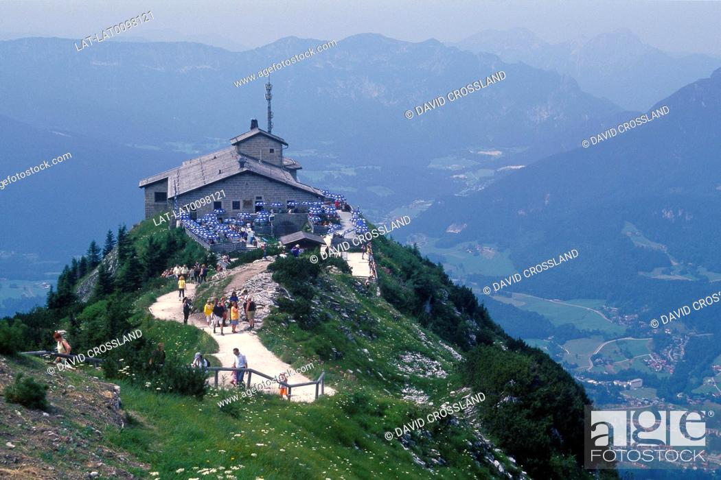 Photo de stock: Hitler's fortress. The Eagle's Nest. Now converted to cafe. View over valley.
