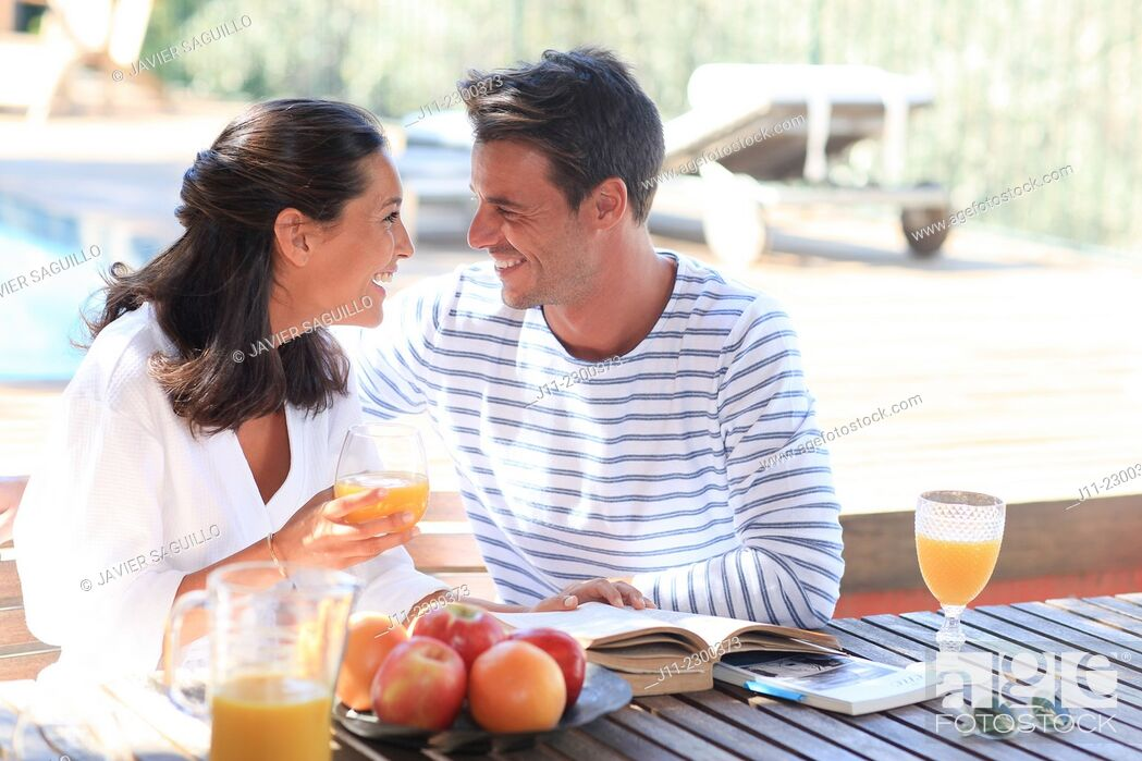 Stock Photo: Couple, breakfast.