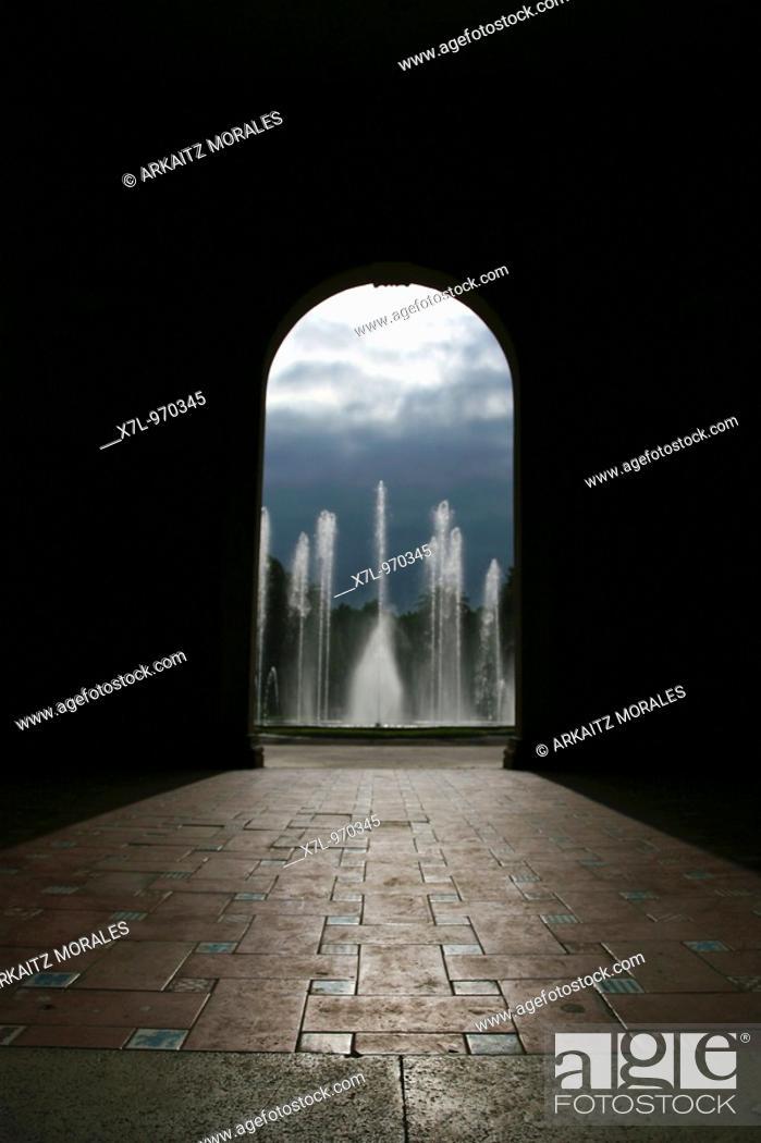 Stock Photo: El final del tunel.
