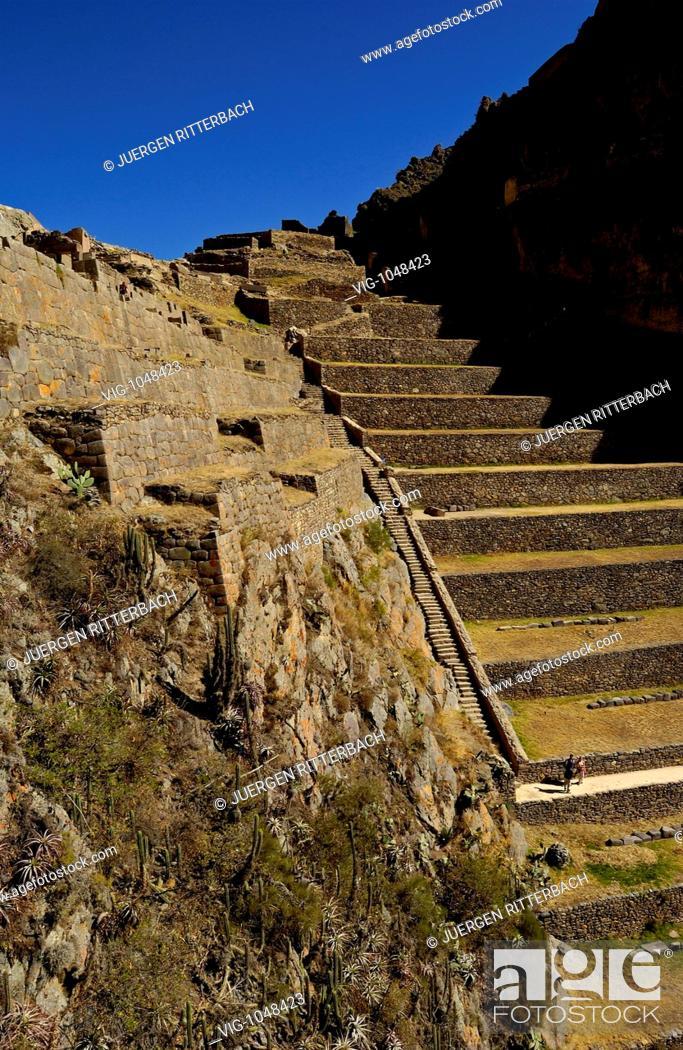 Stock Photo: OLLANTAYTAMBO, PERU, 01.05.2005 Ruins of the old Inca town Ollantaytambo, valley of incas, Urubamba. - OLLANTAYTAMBO, PERU, 01/05/2005.