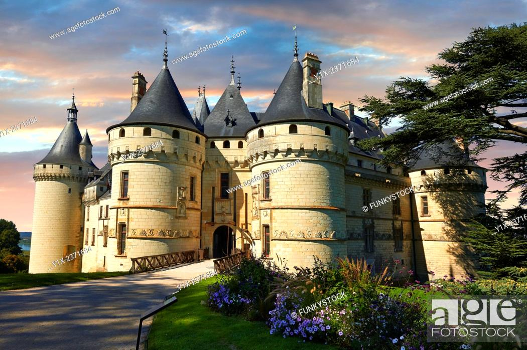Photo de stock: 15th century castle Château de Chaumont, rebuilt by Charles I d'Amboise, acquired by Catherine de Medici in 1560. Chaumont-sur-Loire, Loir-et-Cher, France.