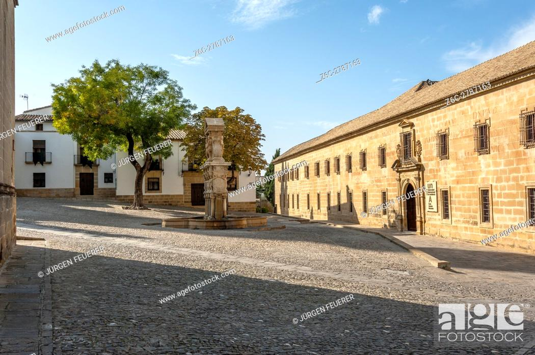 Imagen: old university of the Renaissance in Baeza, province Jaen, Andalusia, Spain.