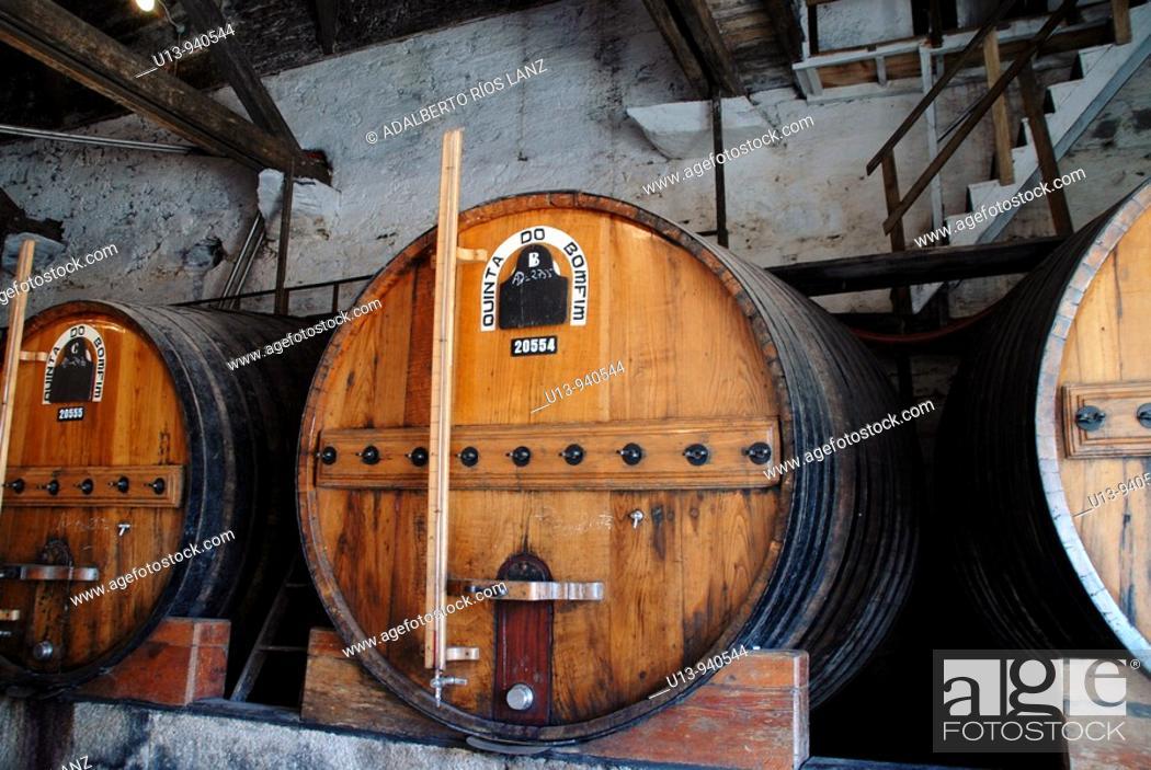 Stock Photo: Barrel, Pinheiro, Duoro, Valley, Portugal.