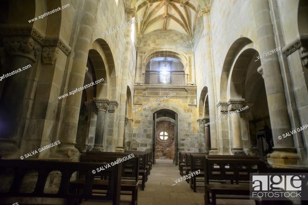 Imagen: Collegiate Church of Santa María de Arbas, Villamanín, Leon, Spain.