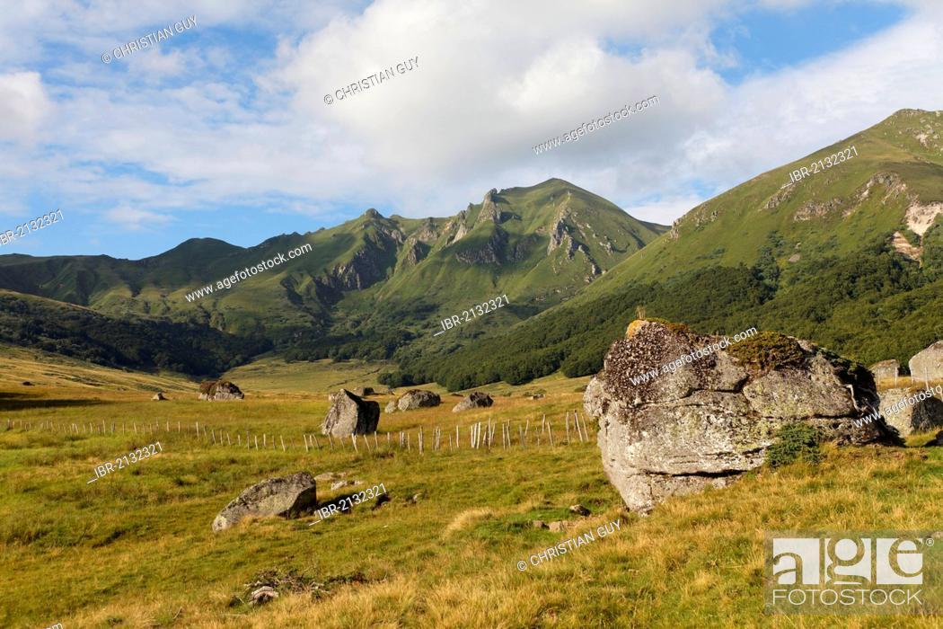 Stock Photo: Fontaine Salee valley, Monts Dore, Sancy mountain, Auvergne volcanoes natural park, Puy-de-Dome, France, Europe.