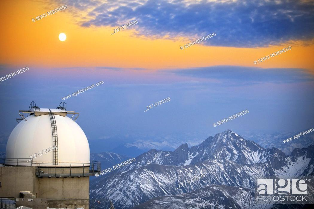 Stock Photo: The Observatory Of Pic Du Midi De Bigorre in sunset time, Hautes Pyrenees, Midi Pyrenees, France.