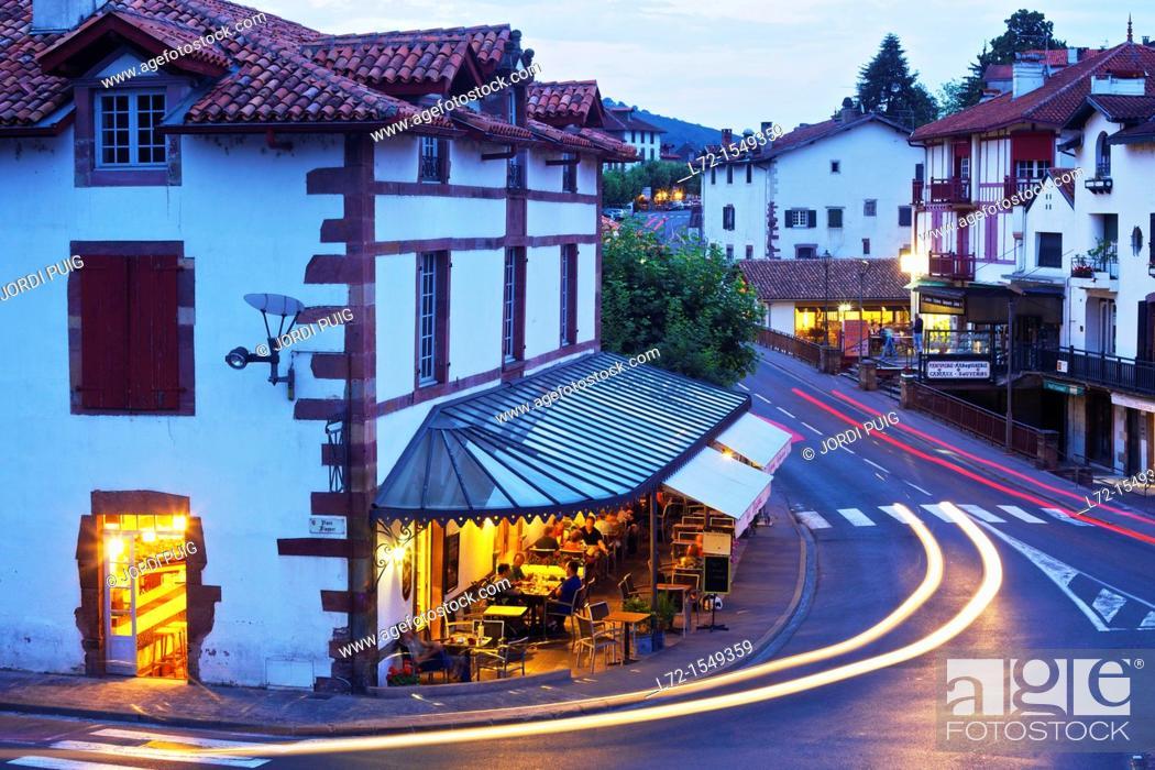 Stock Photo: Saint-Jean-Pied-de-Port (aka Donibane Grazi), Pyrenees Atlantiques, Aquitaine, France.
