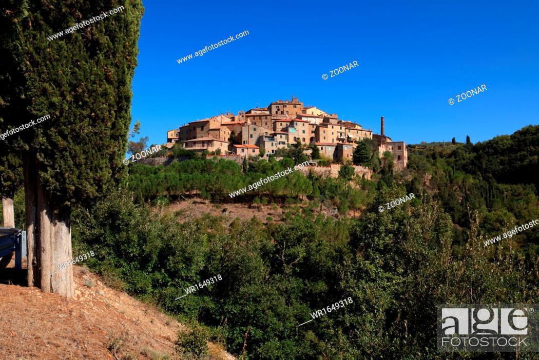 Stock Photo: Village in Tuscany.