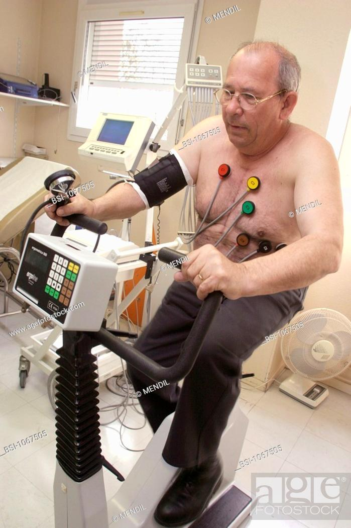 Stock Photo: STRESS TEST, ELDERLY PERSON<BR>Photo essay from hospital.<BR>Cardiology consultation.