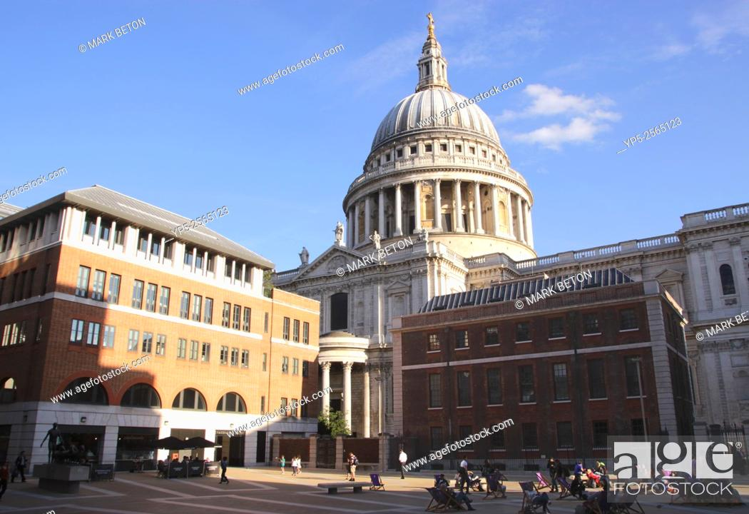Stock Photo: Paternoster Square and St Pauls Cathedral London England.