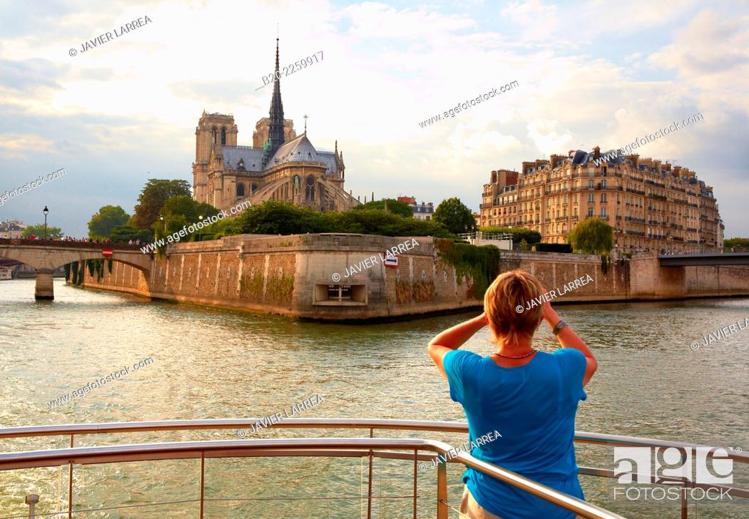 Stock Photo: Notre Dame cathedral. Cruise on the Seine River. Paris. France. Europe.
