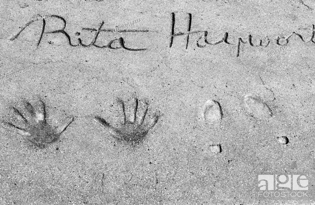 Imagen: Rita Hayworth footprints, walk of fame, Hollywood.