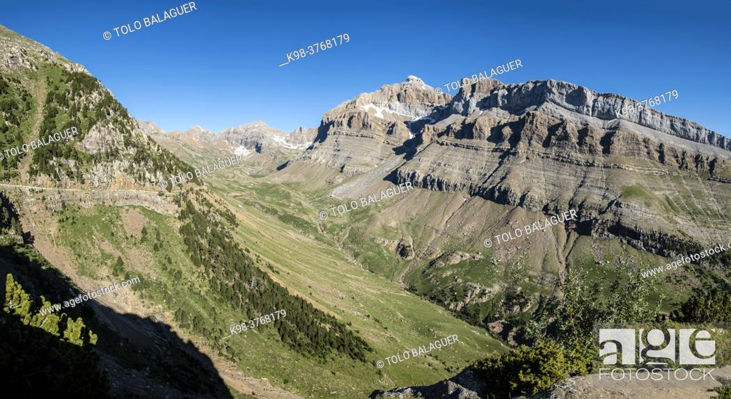 Stock Photo: Peña Collarada, 2883 meters, Ip Valley, Jacetania, Huesca, Spain.