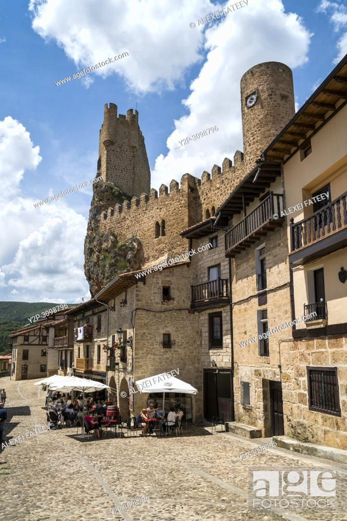 Stock Photo: Castle dominationg town of of Frías, province of Burgos, Castile and Leon, Spain.