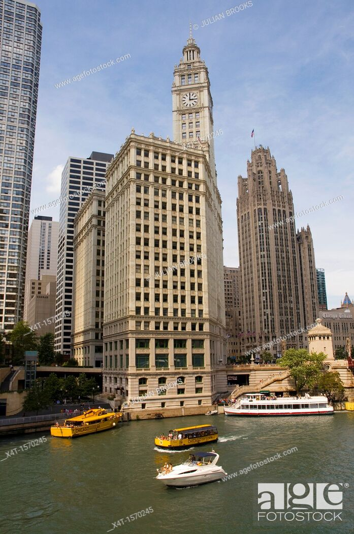 Stock Photo: The Wrigley building and Tribune tower, Chicago, Illinois.
