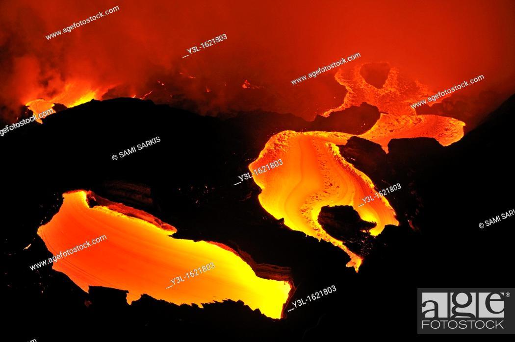 Stock Photo: River of molten lava flowing to the sea, Kilauea Volcano, Big Island, Hawaii Islands, USA.
