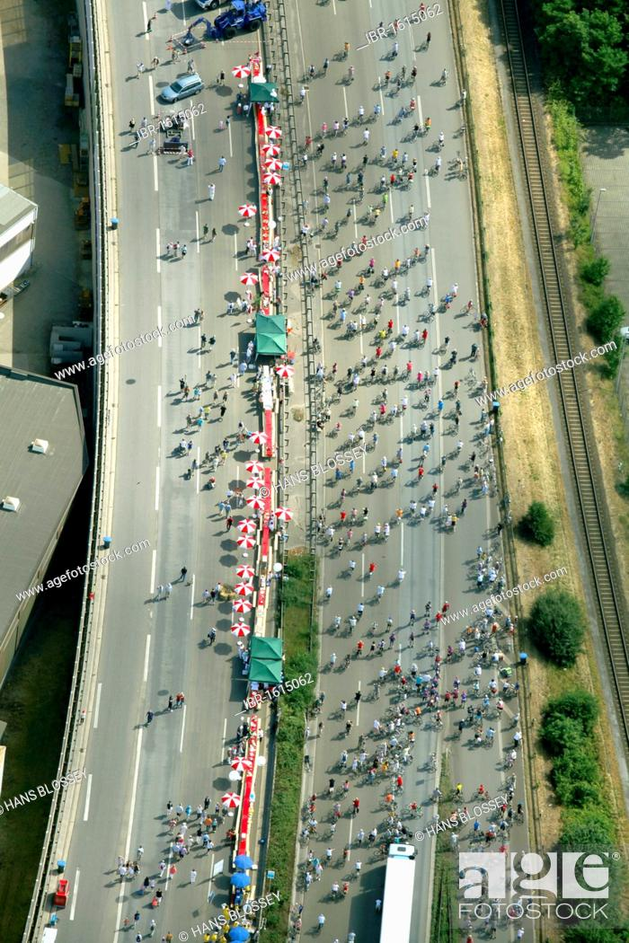 Imagen: Aerial view, RUHR.2010 Action Still-life on the A 40, Duisburg, Ruhr Area, North Rhine-Westphalia, Germany, Europe.