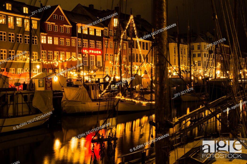 Stock Photo: Nyhaven Christmas Market in Advent in Copenhagen, Denmark.