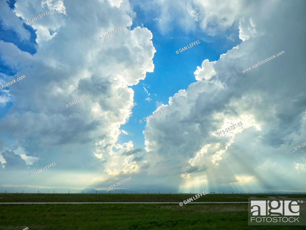 Imagen: Severe Storms Over Kansas.