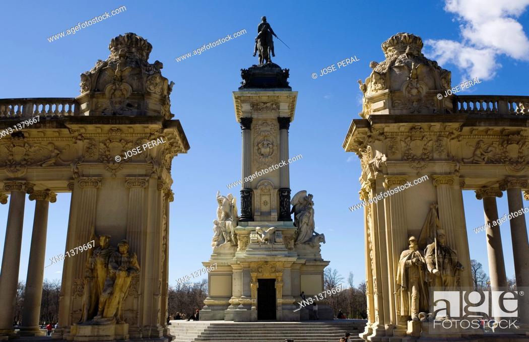 Stock Photo: Colonnade and equestrian statue of the monument to Alfonso XII, Glorieta de la Sardana, Parque del Retiro, Madrid, Spain, Europe.