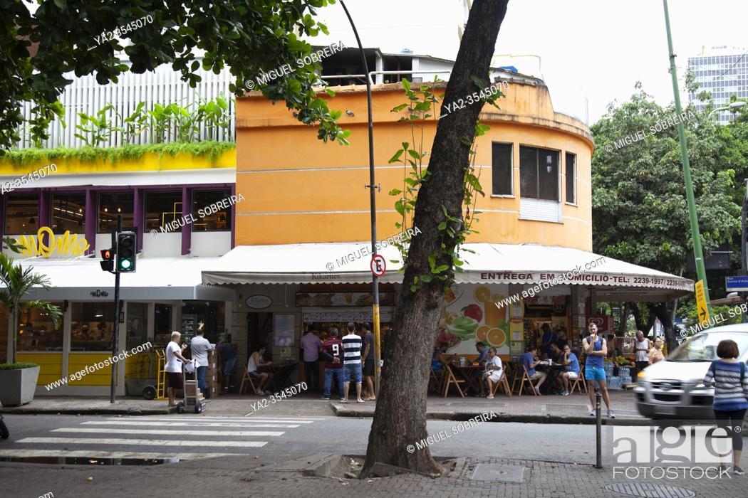 Imagen: Cafe on corner of Visconde de Pirajá and Garcia De Avila in Ipanema, Rio - Brasil.