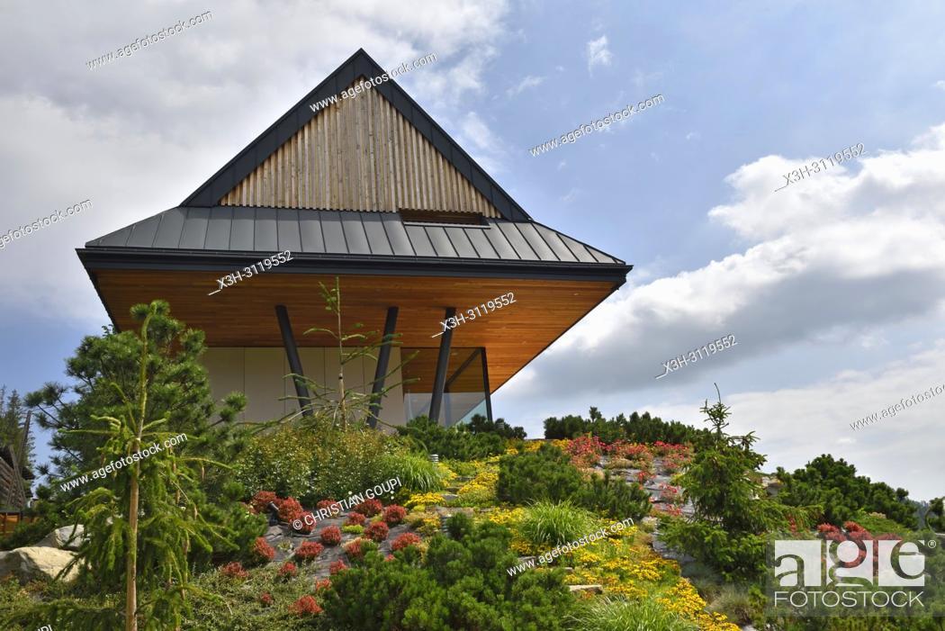 Maison moderne en bois par le bureau des architectes karpiel