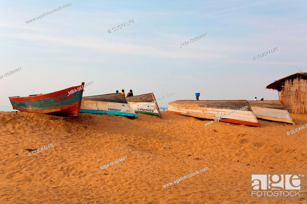 Stock Photo: Africa, Malawi, Salima district, Fish Market at Lake Malawi.
