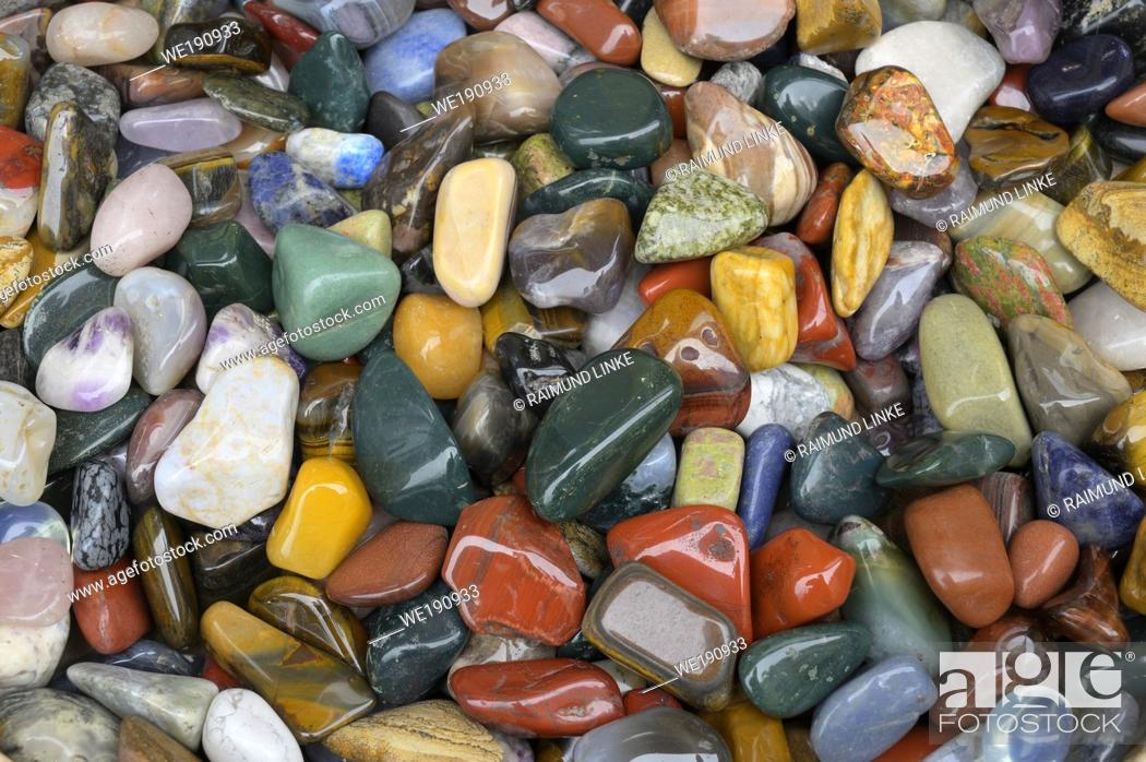 Photo de stock: Colorful pebbles.