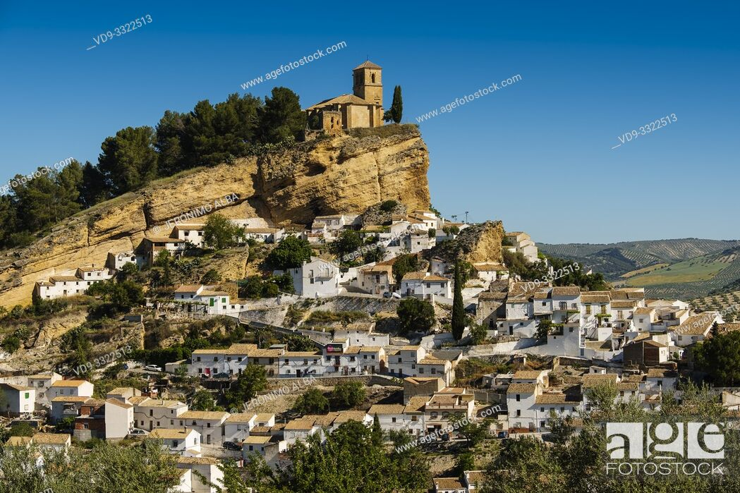 Imagen: Panoramic view typical Andalusian village of Montefrio. Granada province, southern Andalusia. Spain Europe.