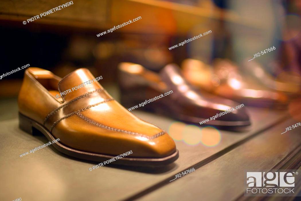 Stock Photo: Dress Shoes in Store Window, Madison Avenue, Manhattan, New York City, US.