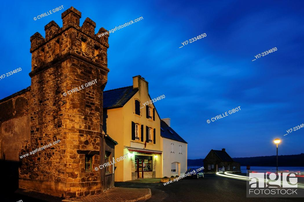 Stock Photo: France, Brittany, Finistere, Crozon Peninsula, Le Fret.