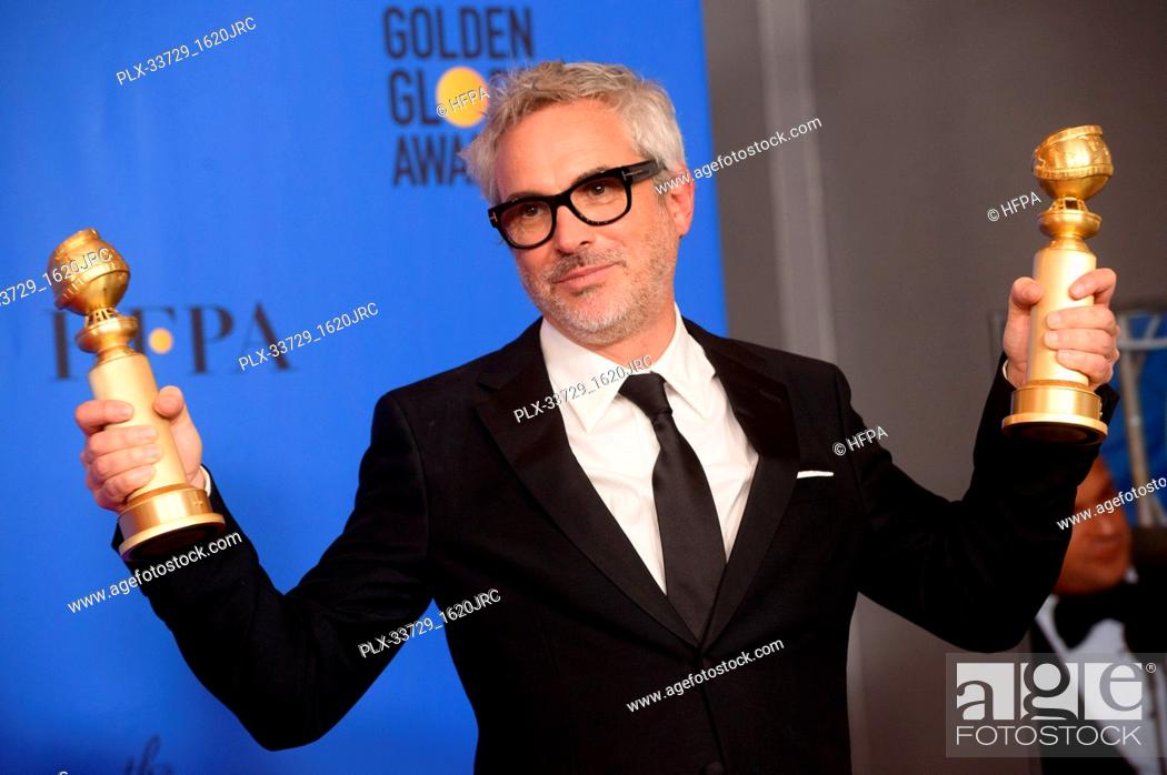 """Imagen: After winning the Golden Globes for BEST MOTION PICTURE – FOREIGN LANGUAGE and BEST DIRECTOR – MOTION PICTURE for """"Roma"""" (MEXICO)."""