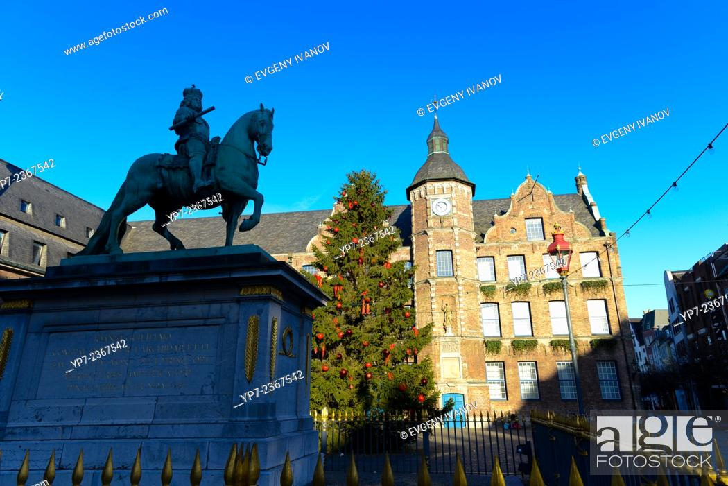 Stock Photo: Empty Market Square with monument and city hall in Dusseldorf, Germany.