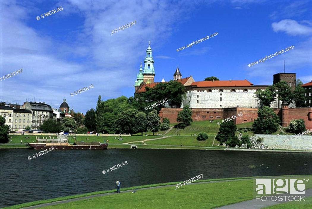 Stock Photo: Poland, Kracow, Wawel Hill, cathedral.