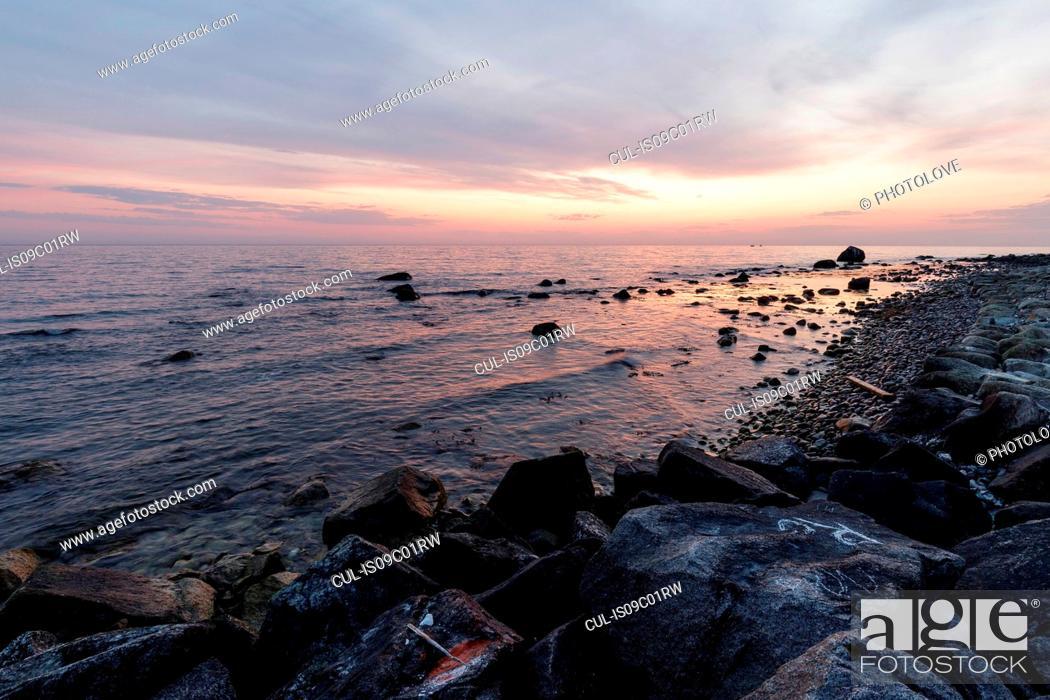 Stock Photo: Seascape with rocky beach at sunset, Jasmund National Park, Sassnitz, Rugen, Mecklenburg-Vorpommern, Germany.